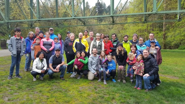 Northwest Permanente physicians, employees, and families gathered in Forest Park for a hike recently.